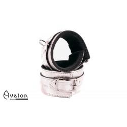 Avalon - INNOCENT - Håndcuffs i Sølv med Plysj