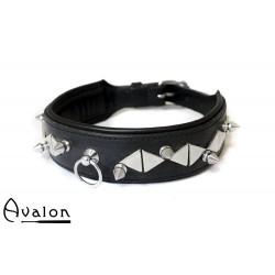 Avalon - GUINEVERE- Collar med Nagler og Røde Stener  - Svart
