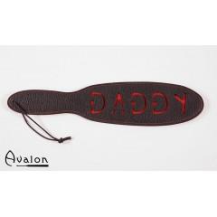 Avalon - Sort Paddle med skriften Daddy i rødt